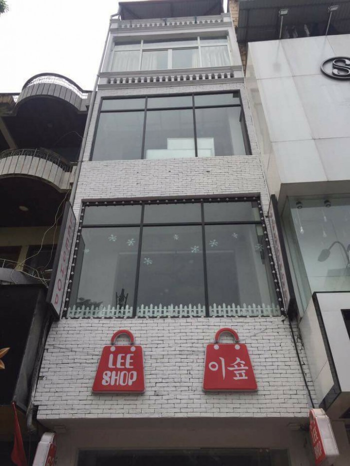 Bán nhà mặt phố Duy Tân, Cầu Giấy 160m2, 5 tầng