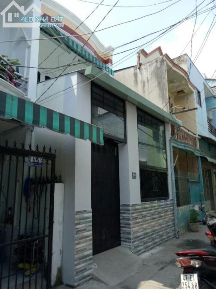 Cần bán gấp nhà nhỏ xinh 2 mặt hẻm quận 8 thích hợp cho các gia đình nhỏ.