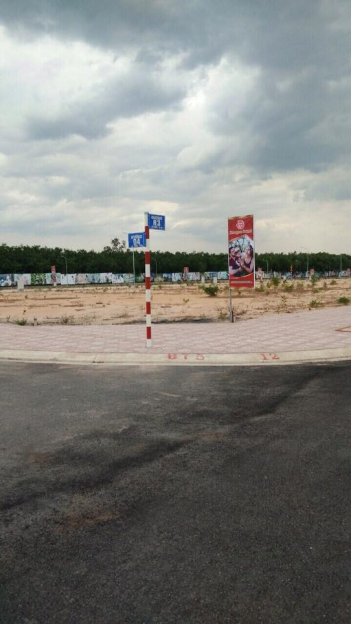 Đất Vị Trí Đẹp Liền Kề Hồ Sinh Thái Lộc An-Đồng Nai