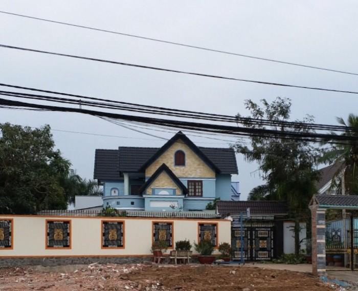 Bán Biệt Thự Vườn 732m2 đường tập đoàn 16, xã Đa Phước,Shr,1 trệt 1 lầu. 4 pn 5 Tl