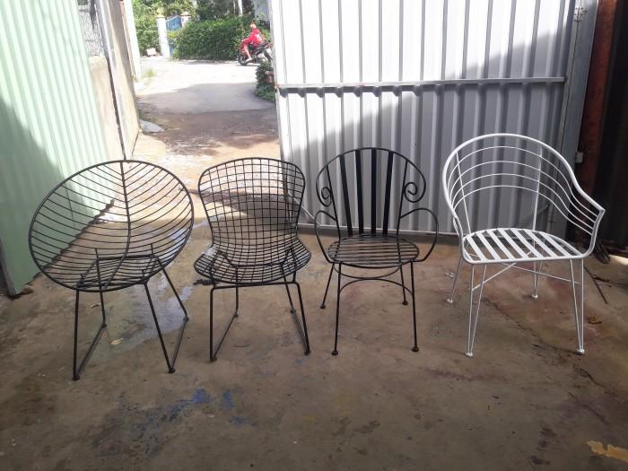 Bàn ghế sắt mỹ nghệ giá rẻ0