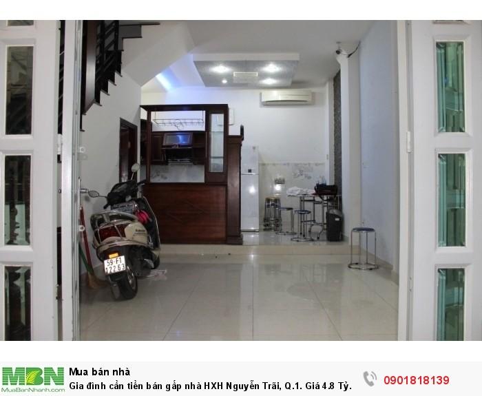 Gia đình cần tiền bán gấp nhà HXH Nguyễn Trãi, Q.1