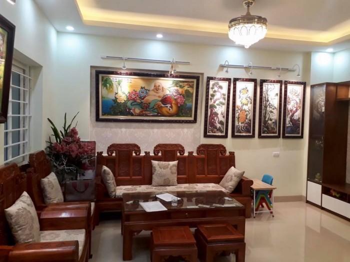 Chính chủ bán nhà ngõ 12 Chùa Bộc, quận Đống Đa, 69m, MT 4m, ô tô, kinh doanh.