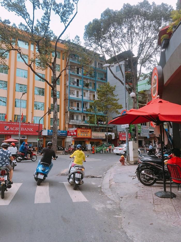 Bán nhà MT gần Nguyễn Văn Cừ Q5