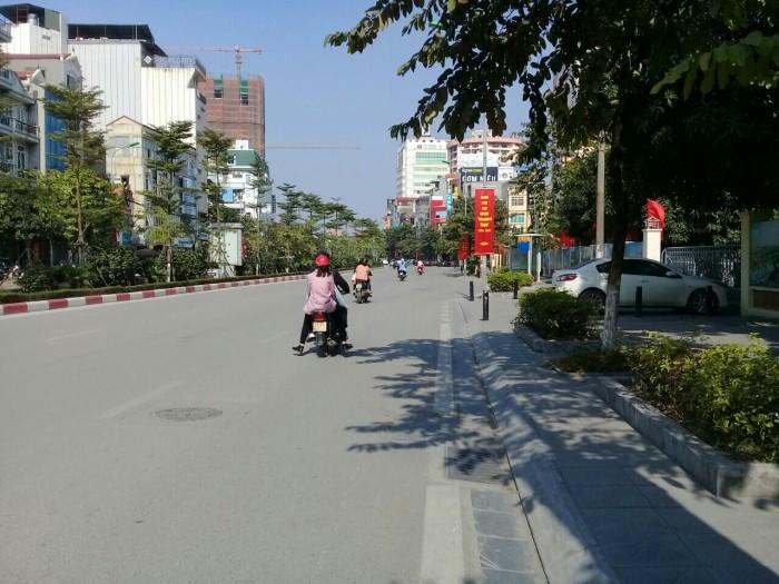 Bán nhà mặt phố Nguyễn Phong Sắc, 40m2x 4 tầng