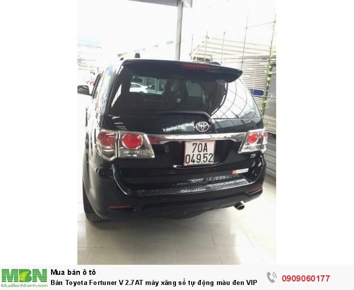 Bán Toyota Fortuner V 2.7AT máy xăng số tự động màu đen VIP sản xuất 2013 lăn bánh 40.000km