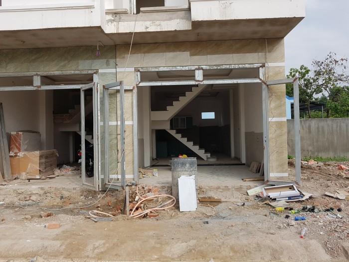 Nhà MỚI mặt tiền hẻm 22 Nguyễn Xiển 2 Lầu+trệt, chính chủ.