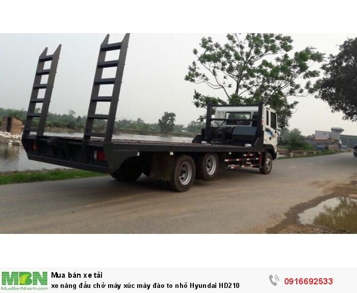 Xe nâng đầu chở máy xúc máy đào to nhỏ Hyundai HD210