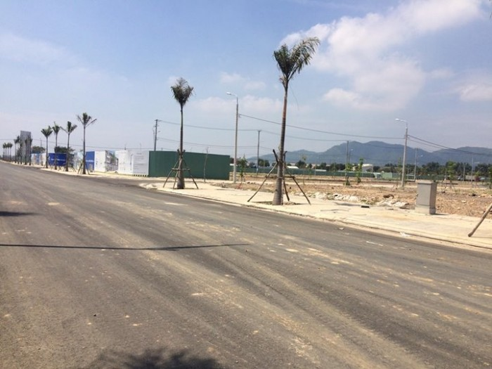 Bán nhanh lô đất đối diện cocobay, bên cạnh khu đô thị FPT hướng đông nam