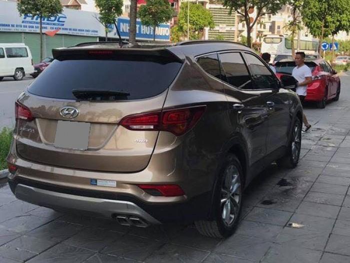 Bán Hyundai Santafe 2.4 Full 2017 chạy xăng vàng cát xe mới đi 2000 km