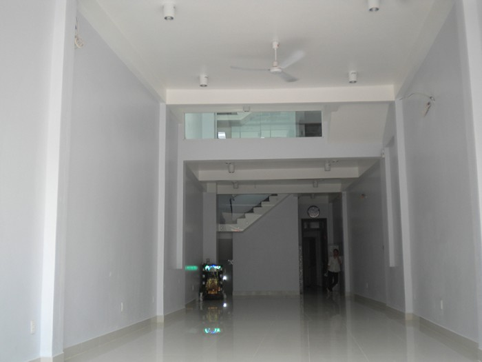 Bán nhà Hồ Biểu Chánh, 1 trệt 3 lầu, 75 m2