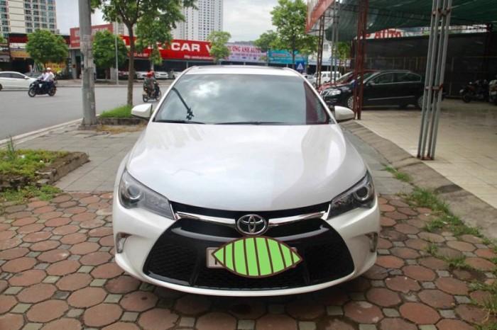 Toyota Camry SE 2.5 màu trắng, sản xuất 2015, đăng ký 8/2017