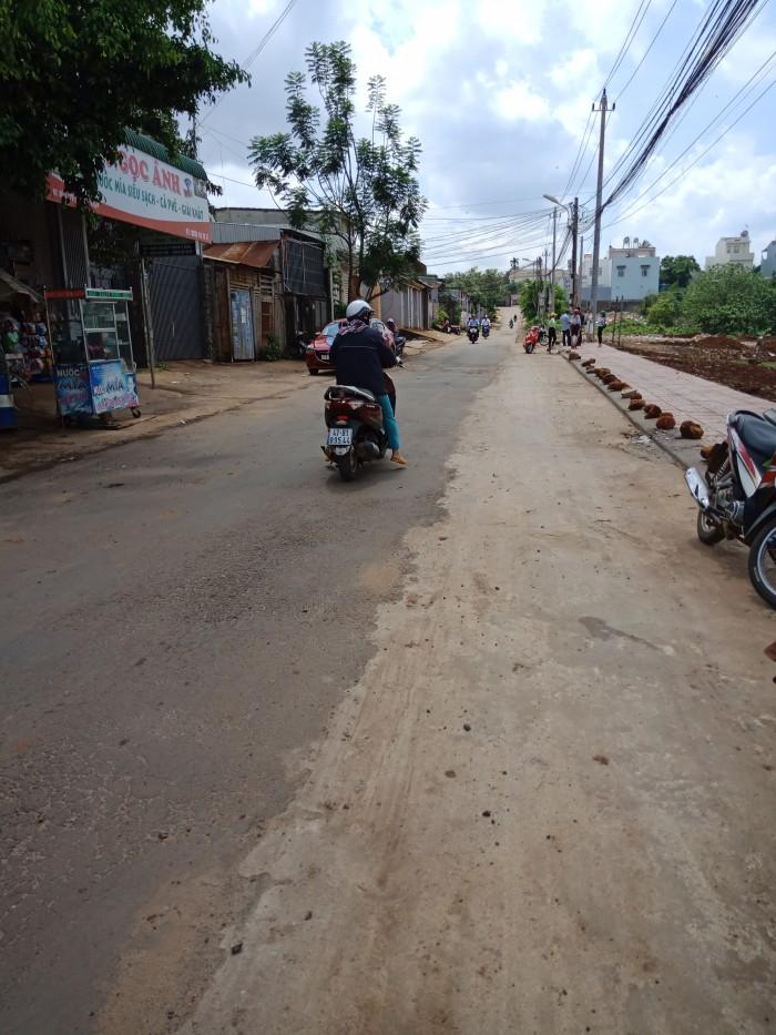 Bán đất mặt tiền đường đỗ xuân hợp