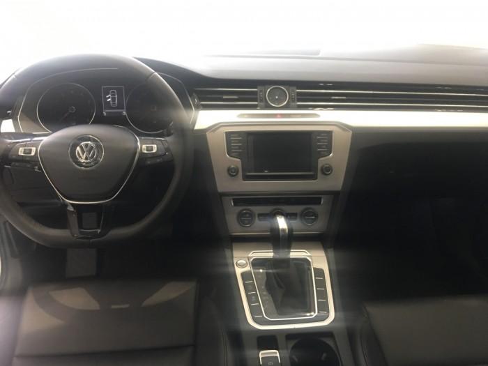 Volkswagen Passat Giá Tốt nhất, giao xe toàn quốc,Hô trợ trả góp 85%