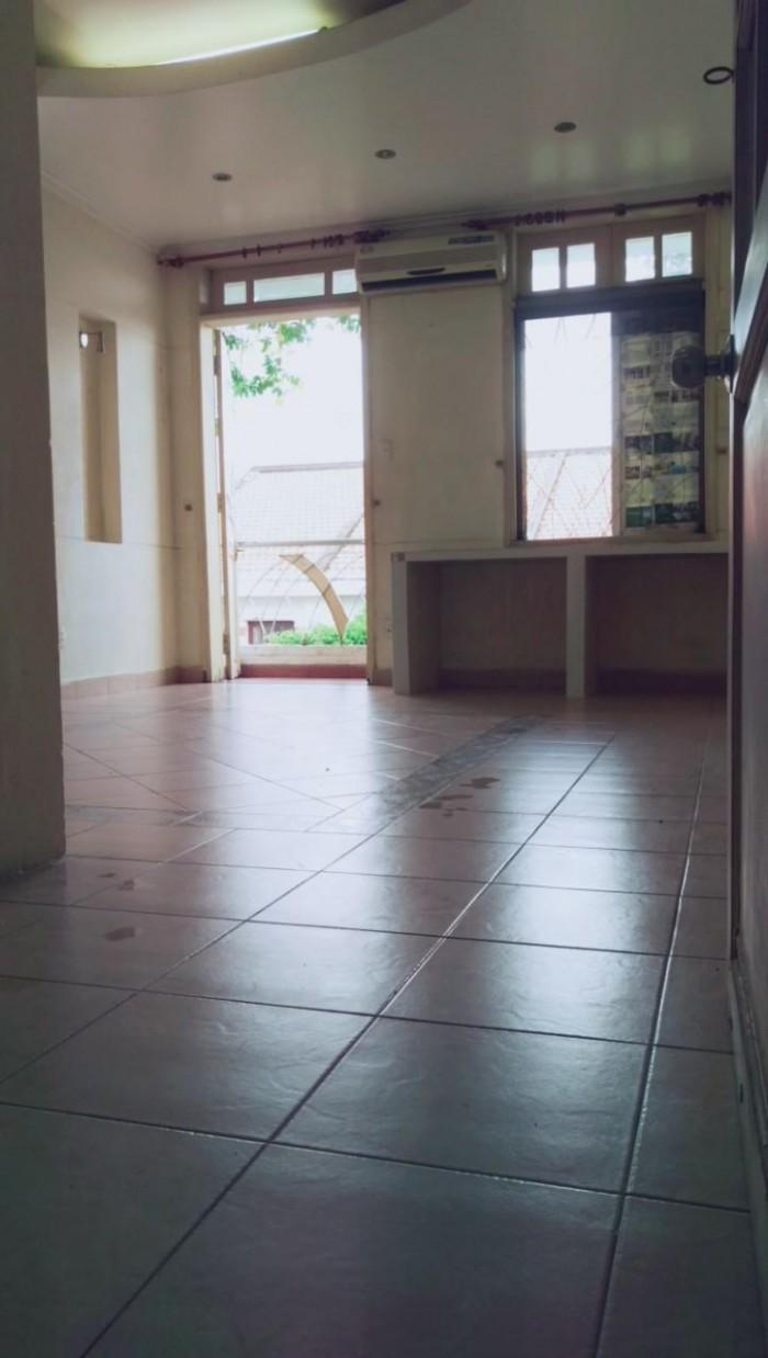 Cho thuê phòng có máy lạnh, ban công gần Citimart
