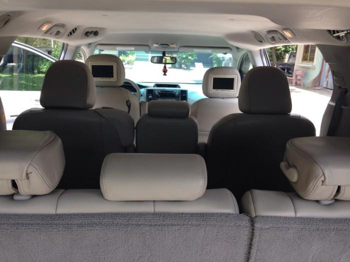 Gia đình bán xe Sienna nhập mỹ 2011 tự động màu bạc chính chủ. 6