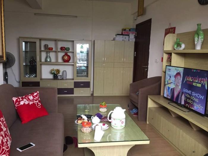 Cho thuê căn hộ mới chung cư  Sài Đồng ,  70 m2, giá 6 triệu/tháng.