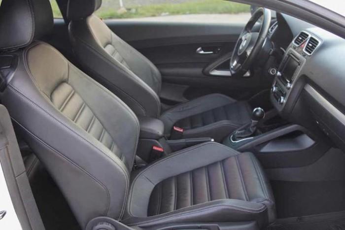 Chính chủ mình bán Volkswagen scirocco sport 2010 at 2.4 màu trắng đẹp. 4