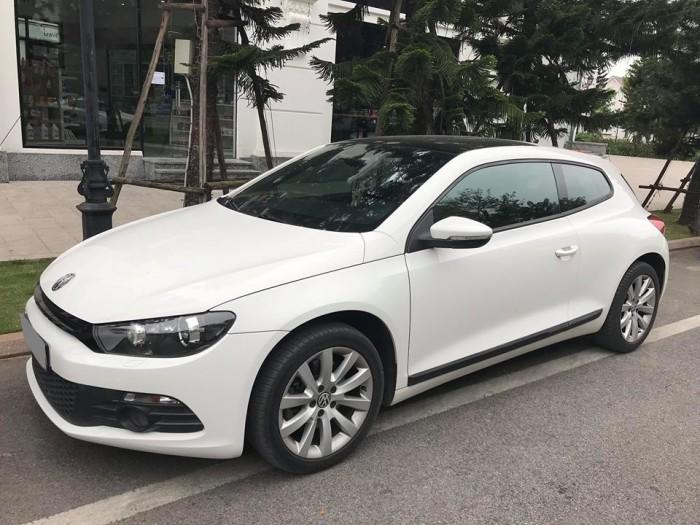 Chính chủ mình bán Volkswagen scirocco sport 2010 at 2.4 màu trắng đẹp.