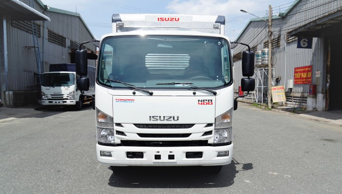 Isuzu NPR sản xuất năm 2018 Số tay (số sàn) Dầu diesel