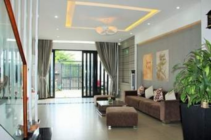 Bán nhà Tân Bình, hẻm trước nhà 5,4m, 5 lầu, 36m2, nhà mới.