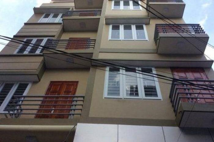 Bán nhà mặt tiền đường Cách Mạng Tháng Tám, P. Bến Thành, Q1 DT 4x22m 1 trệt 3 lầu