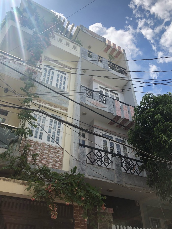 Bán nhà ở HXH đường Gò Dầu thông thẳng ra Độc Lập còn mới tinh đẹp lung linh