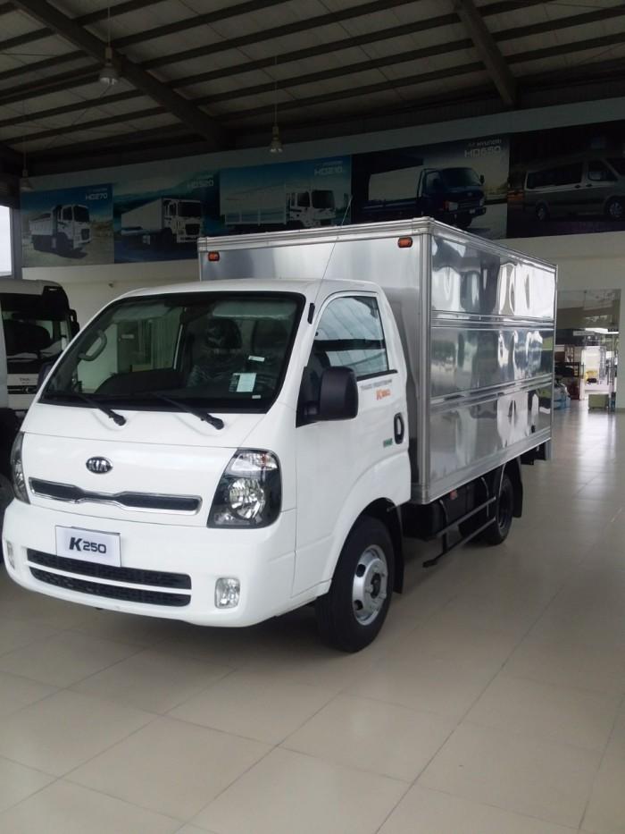 Bán xe tải mới Kia K250, tải trọng 2.5 tấn, đời mới nhất 2018, Euro4. 0