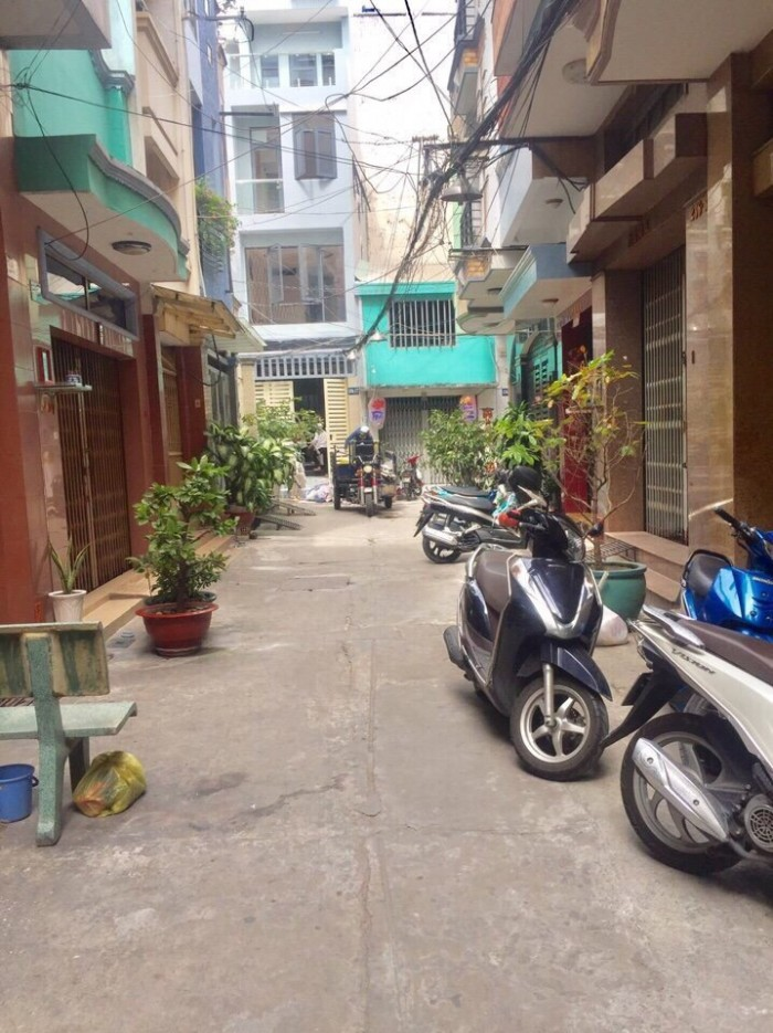 Bán nhà MT Lê Hồng Phong - 3.2, Q.10, Dt: 3.5x16m, 3 lầu