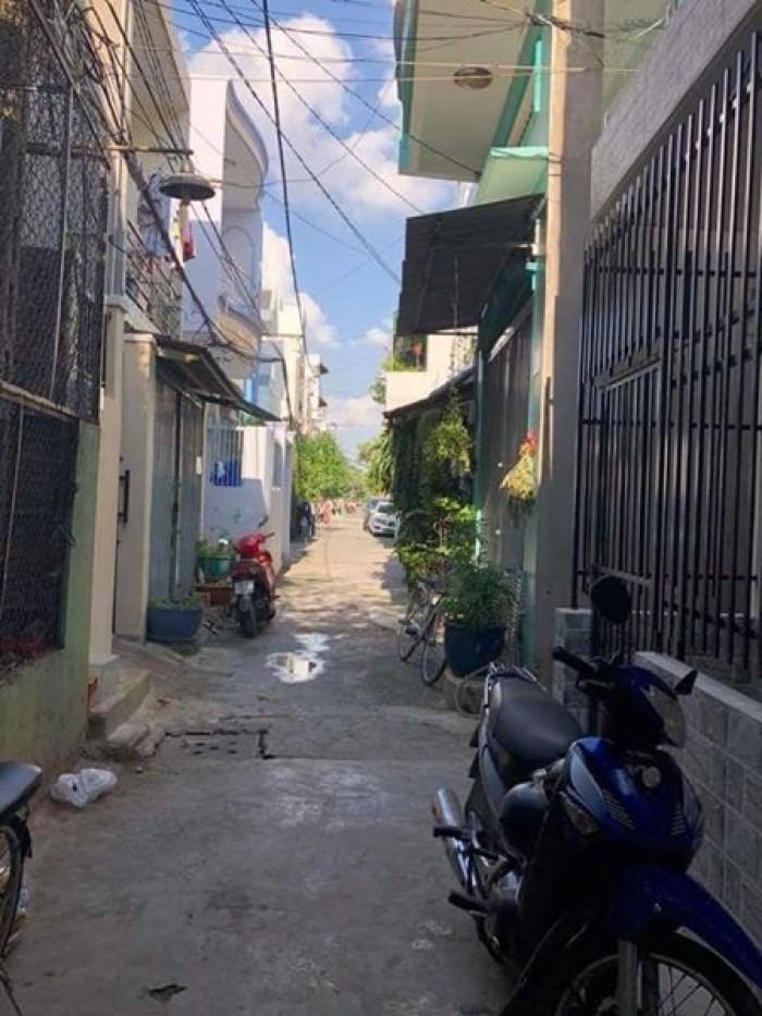 Hẻm trước nhà 3m, nằm ngay 2 mặt tiền hẻm, gần đường Tạ Quang Bửu