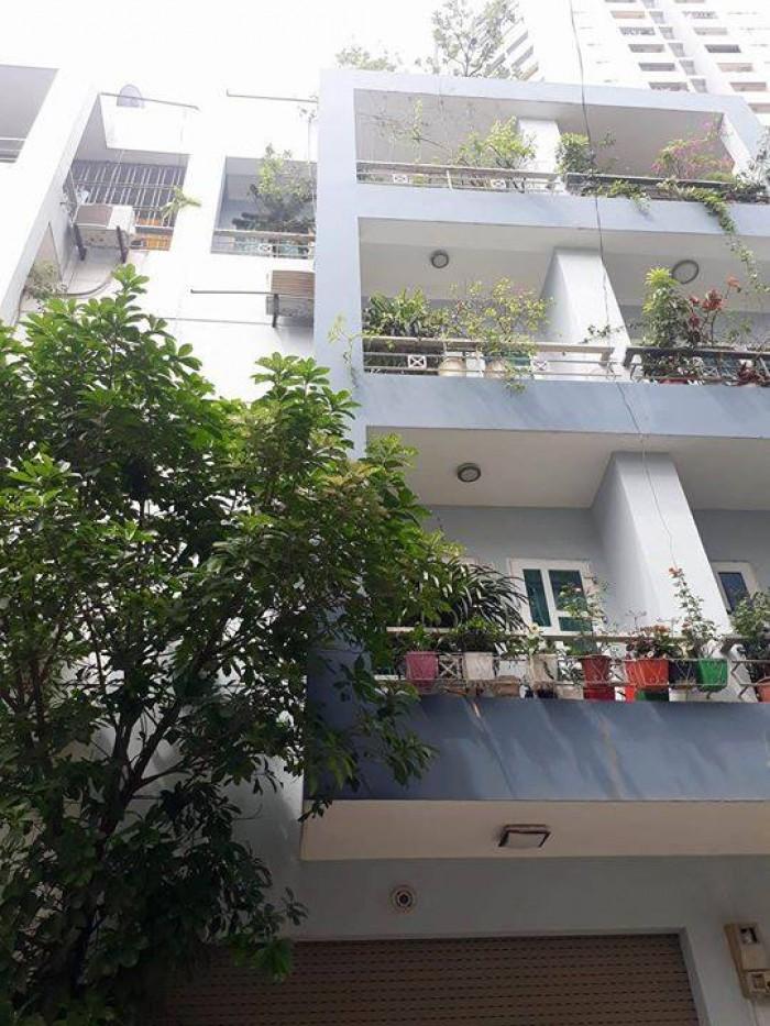 Bán Nhà Phân Lô 45m2, 6 tầng, MT 5.6m,  Thang Máy  Trần Quốc Hoàn - Cầu Giấy