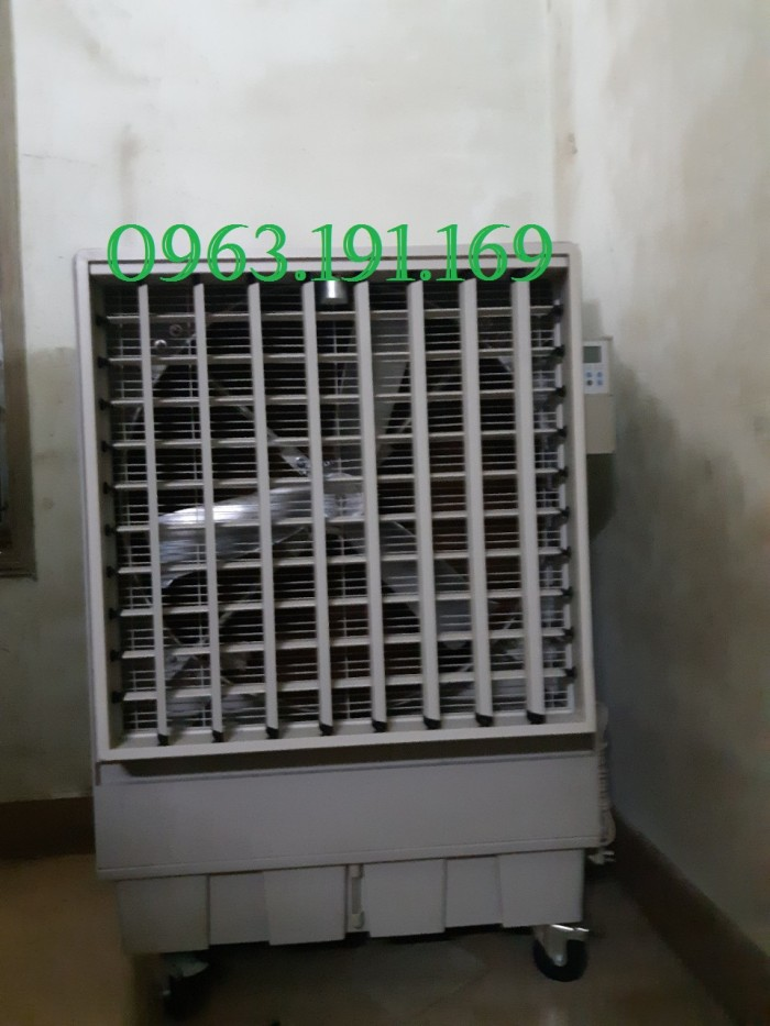 Quạt hơi nước công nghiệp dùng cho nhà xưởng, diện tích rộng1