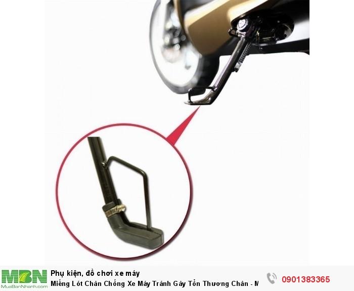Đặc biệt tránh tổn thương chân khi dắt xe mà quên gạt chân chống. Bảo vệ chân chống không bị mòn.