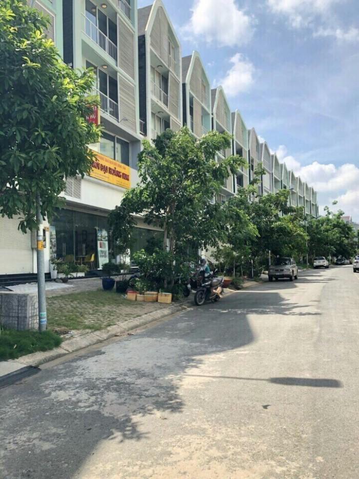 Bán chung cư mặt tiền đường Tạ Quang Bửu- !.2PN