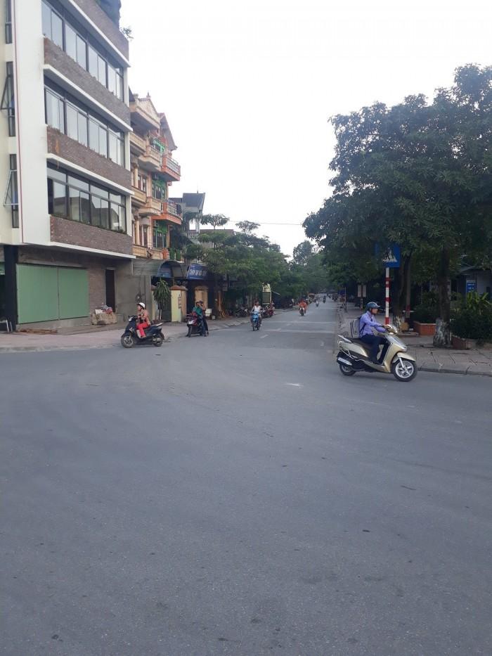 Bán đất tổ 18 Thượng Thanh dt 41m ô tô đỗ cửa giá hợp lý