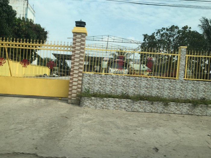Định cư nước ngoài, bán bãi xe 890m2 mặt tiền Nguyễn Văn Tạo
