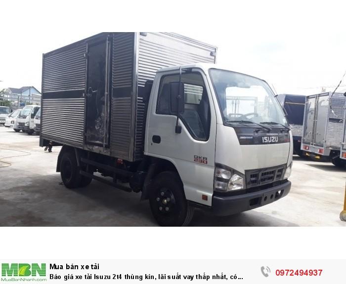 Báo giá xe tải Isuzu 2t4 thùng kín, lãi suất vay thấp nhất, có sẵn xe giao ngay
