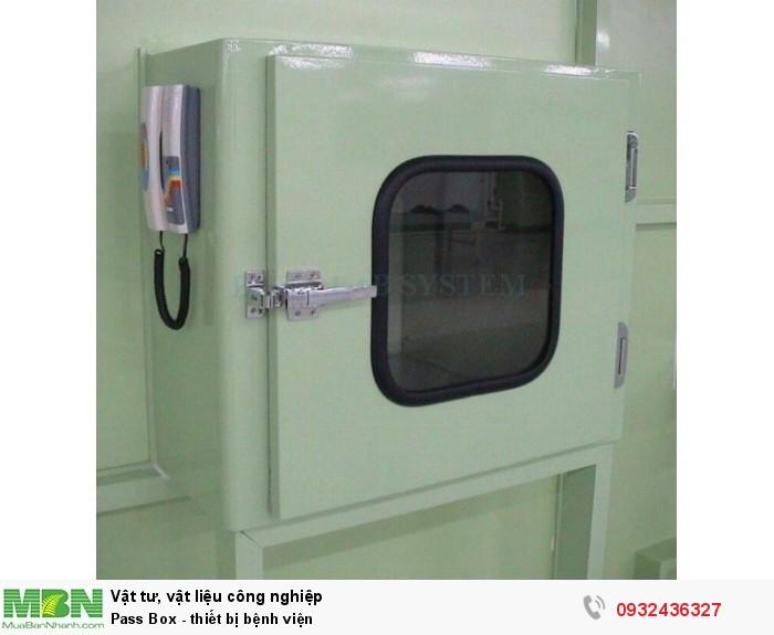 - Kích thước trong: WxDxH: 600x600x600 mm   - Kích thước ngoài: WxDxH: 780x660x700 mm   - Vỏ bằng sắt sơn tĩnh điện   - Bên trong bằng inox 304   - Khóa và bản lề loại chuyên dụng dùng cho passbox   - Khóa cơ liên động chỉ cho phép mờ 01 cửa    Option:   - Vỏ bằng inox 304   - Gắn đèn chiếu sáng   - Gắn đèn UV1