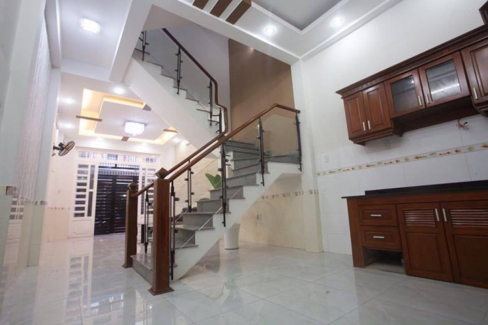 Nhà đẹp HXH Tân Bình, 120m2, 3 tầng, xách valy ở liền.
