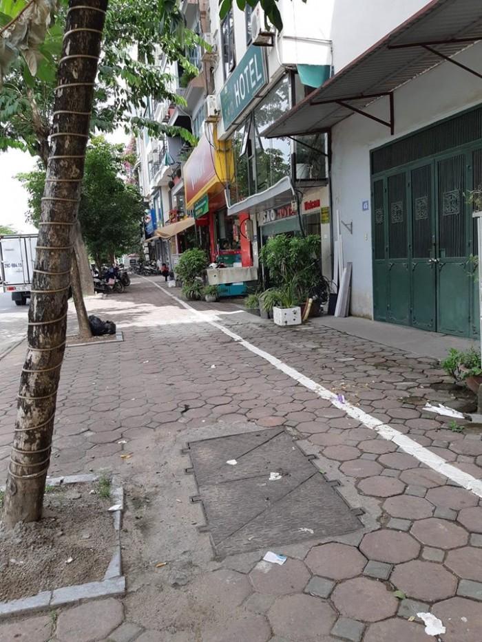 Bán nhà mặt phố Trường Chinh, 70m2, mặt tiền 5.5m
