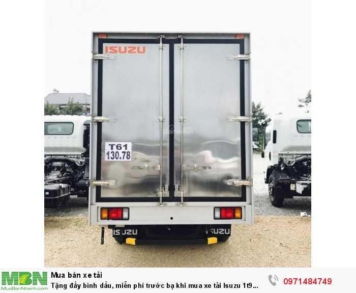 Tặng đầy bình dầu, miễn phí trước bạ khi mua xe tải Isuzu 1t9 trong tháng