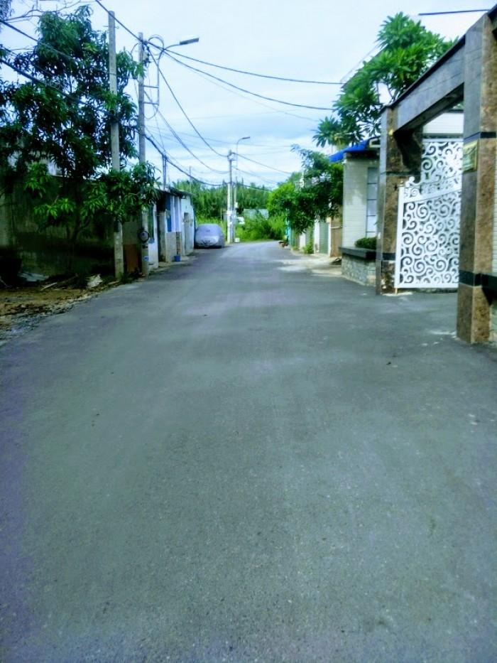 Bán đất thổ cư 100% đường Nguyễn Bình giá chỉ có 2 tỷ 450 triệu.