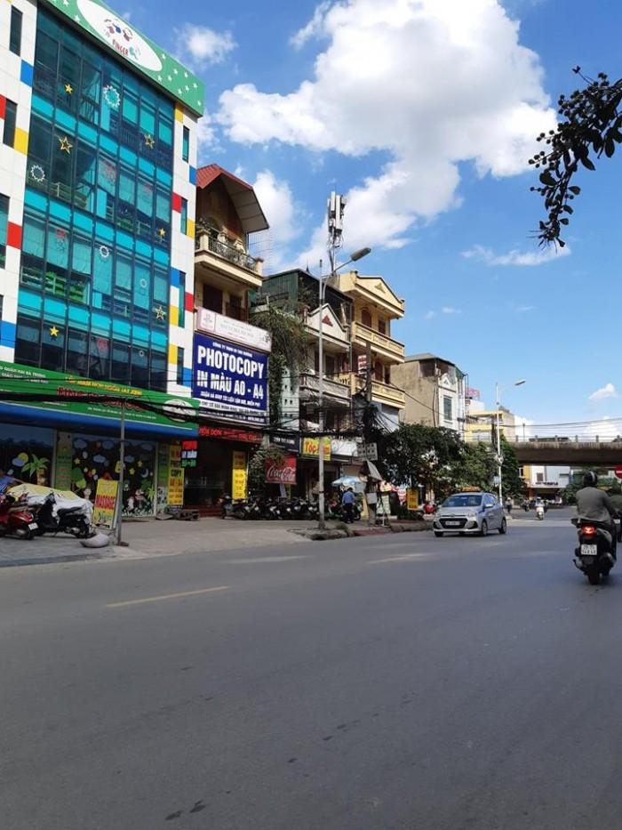 Bán gấp nhà MP Minh Khai 41m2, 3 tầng, vỉa hè rộng 10m