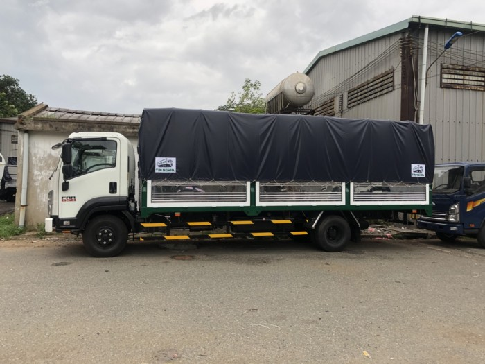 Bán xe tải Isuzu 6T4 - 6.4 Tấn - 6 Tấn 4 Thùng Mui Bạt 2018 - Euro 4  FRR90NE4 - Giao Ngay