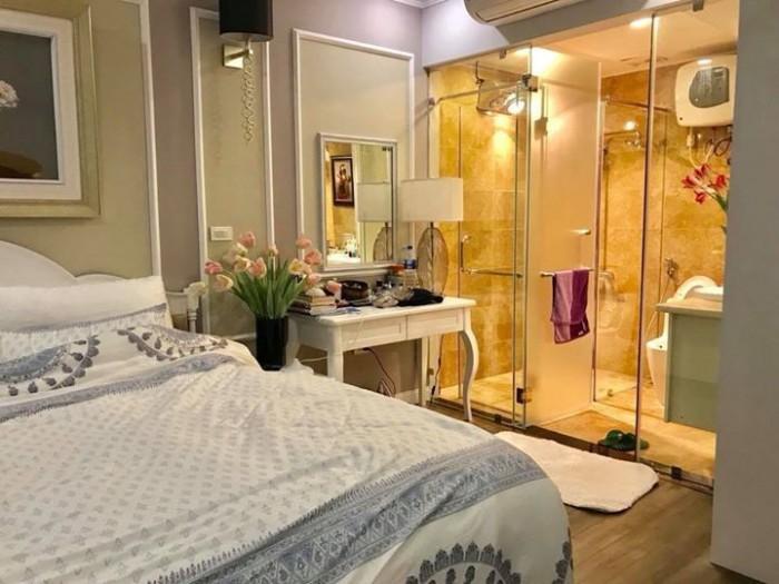 Khách sạn 10 tầng phố Bùi Thị Xuân 186m, cần tìm chủ mới.
