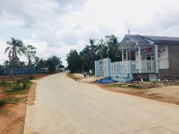Bán đất Phú Quốc, Nằm Trên Đường Nguyễn Trung Trực Và Cây Thông Ngoài