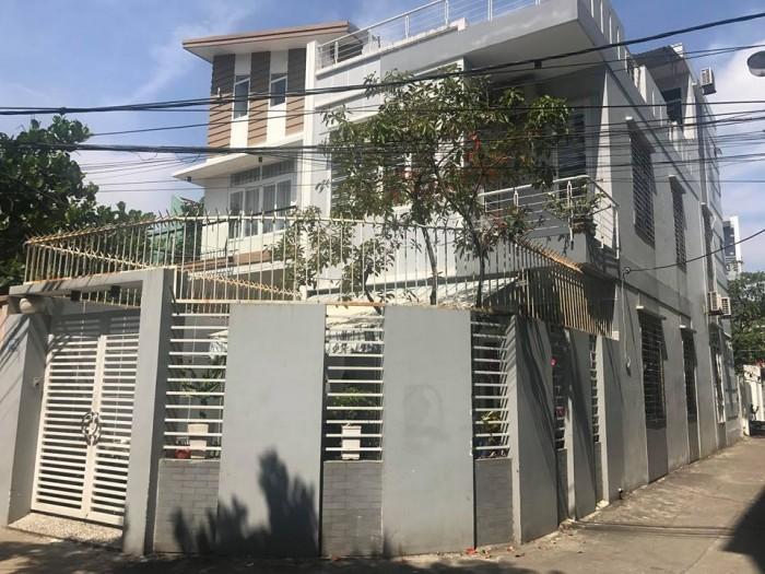 Nhà kiệt oto Nguyễn Hữu Thọ