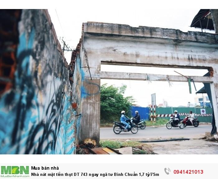 Nhà nát mặt tiền thụt DT 743 ngay ngã tư Bình Chuẩn, SHR