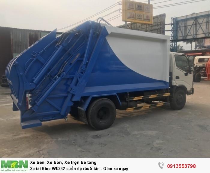 Xe tải Hino WU342 cuốn ép rác 5 tấn - Giao xe ngay