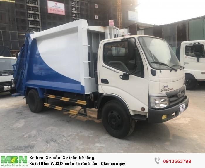 Mua xe tải Hino WU342 cuốn ép rác 5 tấn, giao xe ngay. Gọi 0913553798 (24/24)